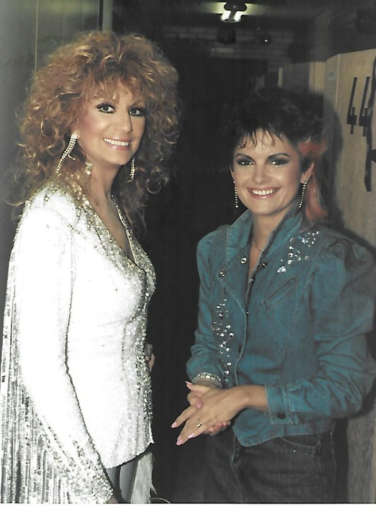 Kelita, Dottie West, The Tommy Hunter Show